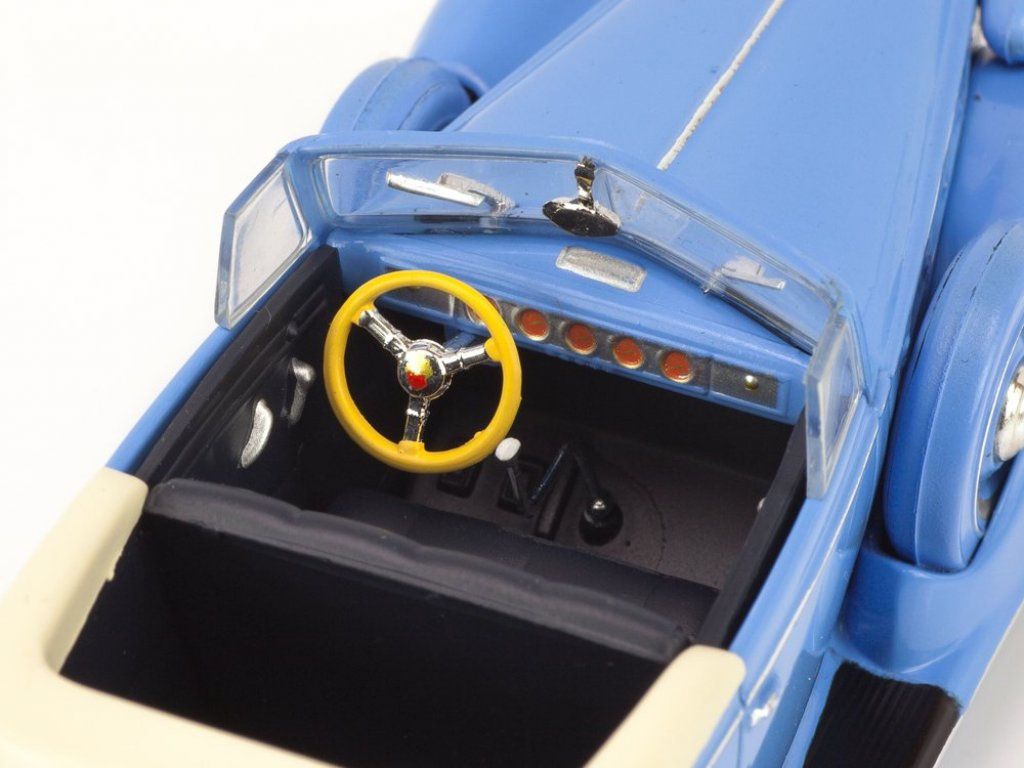 1:43 IXO Packard Convertible Victoria 1938 синий
