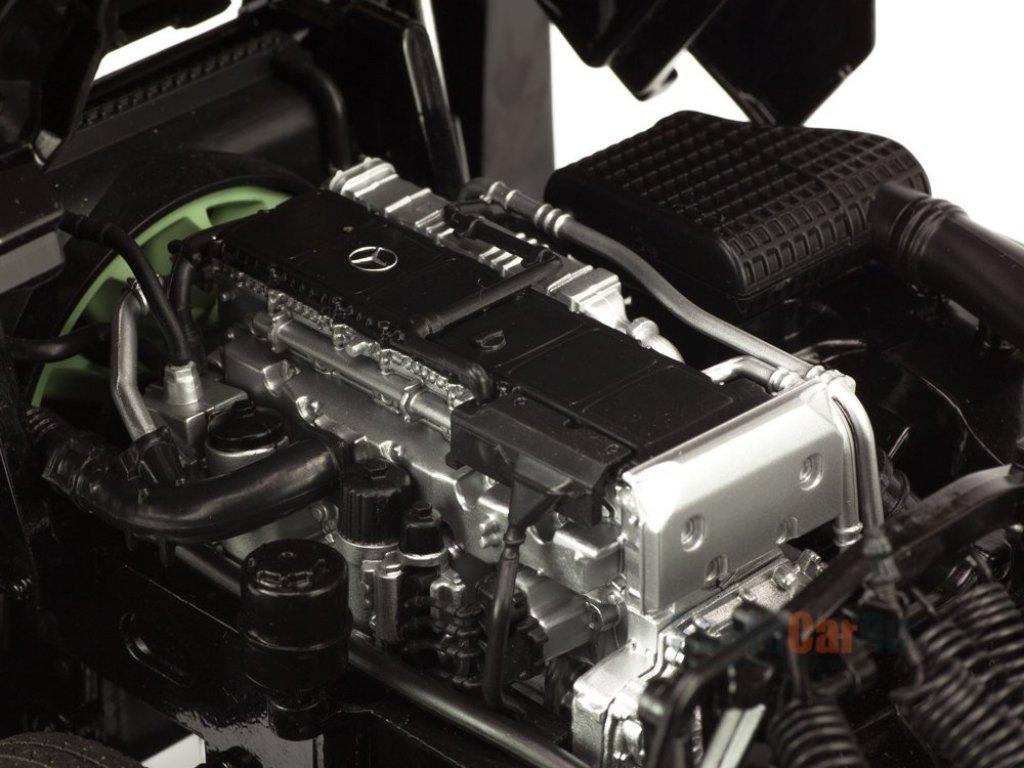 1:18 NZG Mercedes-Benz Actros II 2018 автовоз Lohr, черный