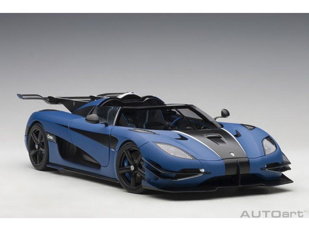 1:18 AUTOart Koenigsegg One:1 2014 матовый синий с карбоновой отделкой и белым