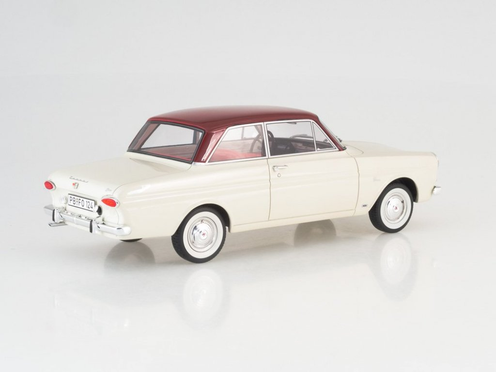1:18 Best of Show Ford Taunus 12M (P4) Limousine белый с черным