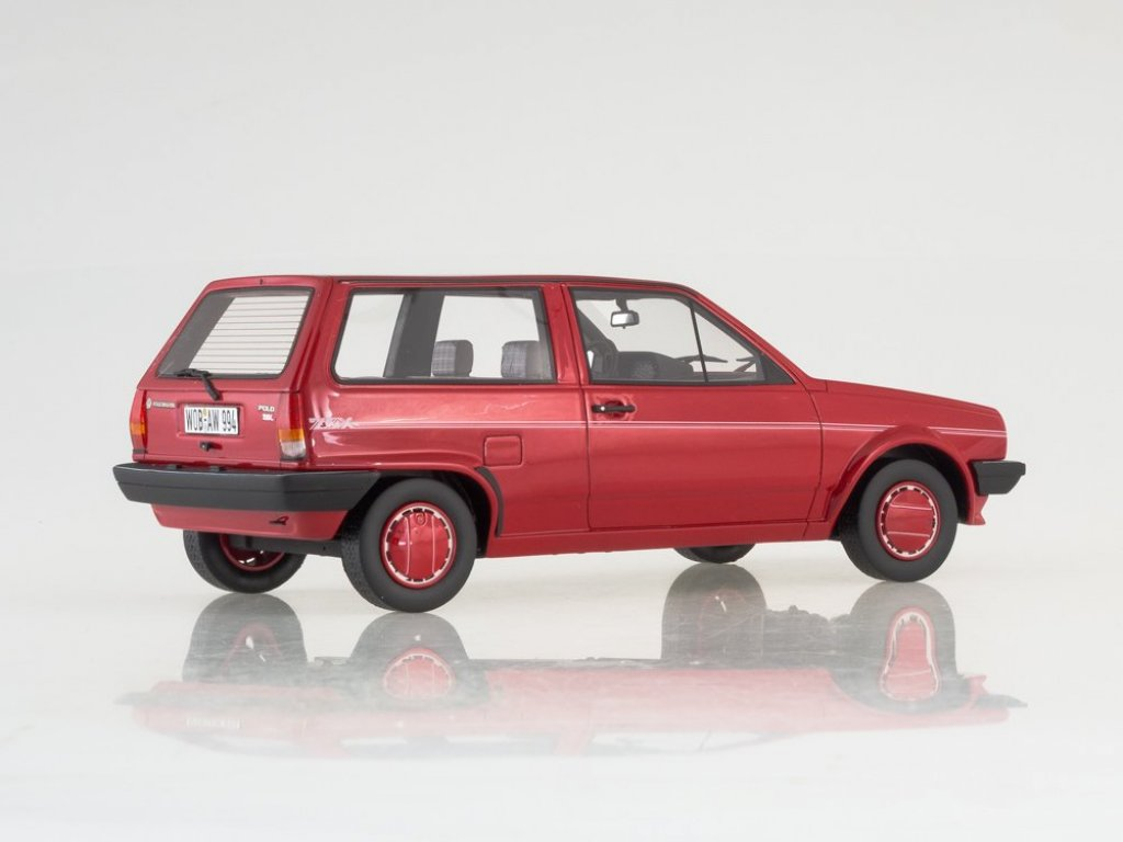 1:18 Best of Show Volkswagen Polo II (type 86c) hatchback Fox красный