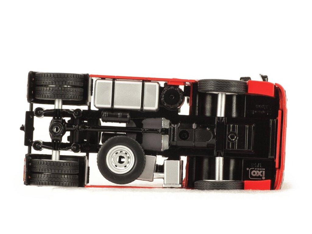 1:43 IXO Mercedes Actros 1995 седельный тягач первой серии красный