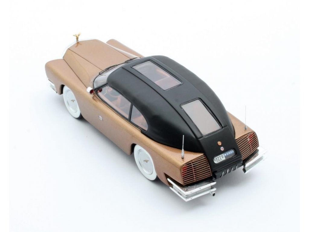 1:43 Matrix Mohs Ostentatienne Opera Sedan 1967 золотистый металлик с черным верхом