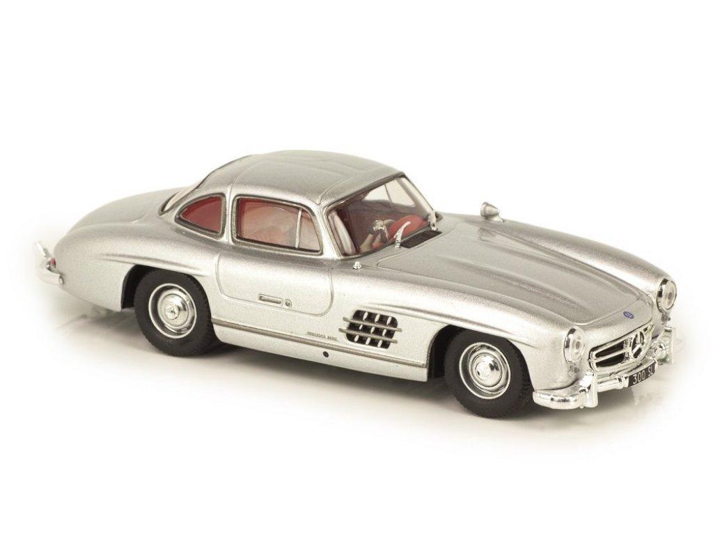 1:43 Atlas Mercedes-Benz 300SL Gullwing W198 1954 серебристый с красным салоном