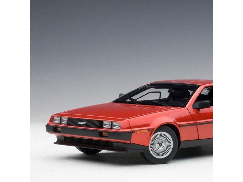 1:18 AUTOart DeLorean DMC-12 1981 красный