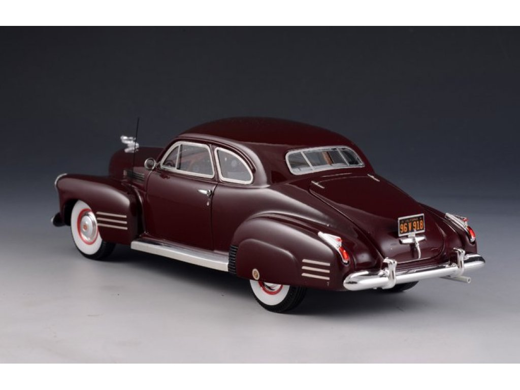 1:43 GLM Cadillac Series 62 Coupe 1941 бордовый