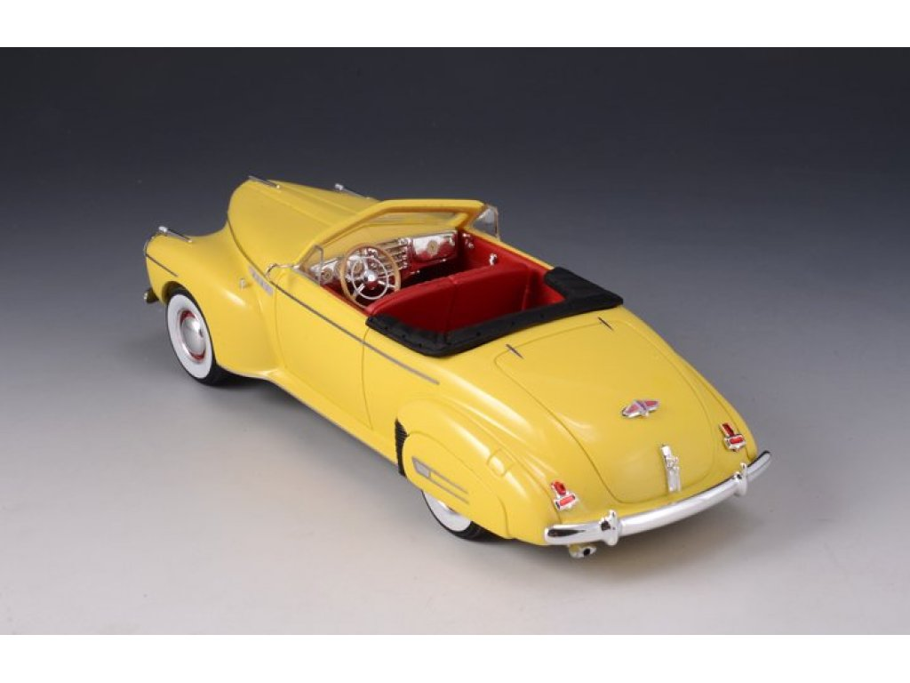 1:43 GLM Buick Roadmaster Convertible 76C (открытый) 1941 желтый
