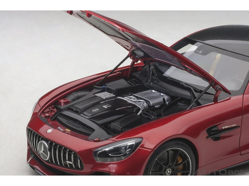 1:18 AUTOart Mercedes-AMG GT-R 2017 C190 красный