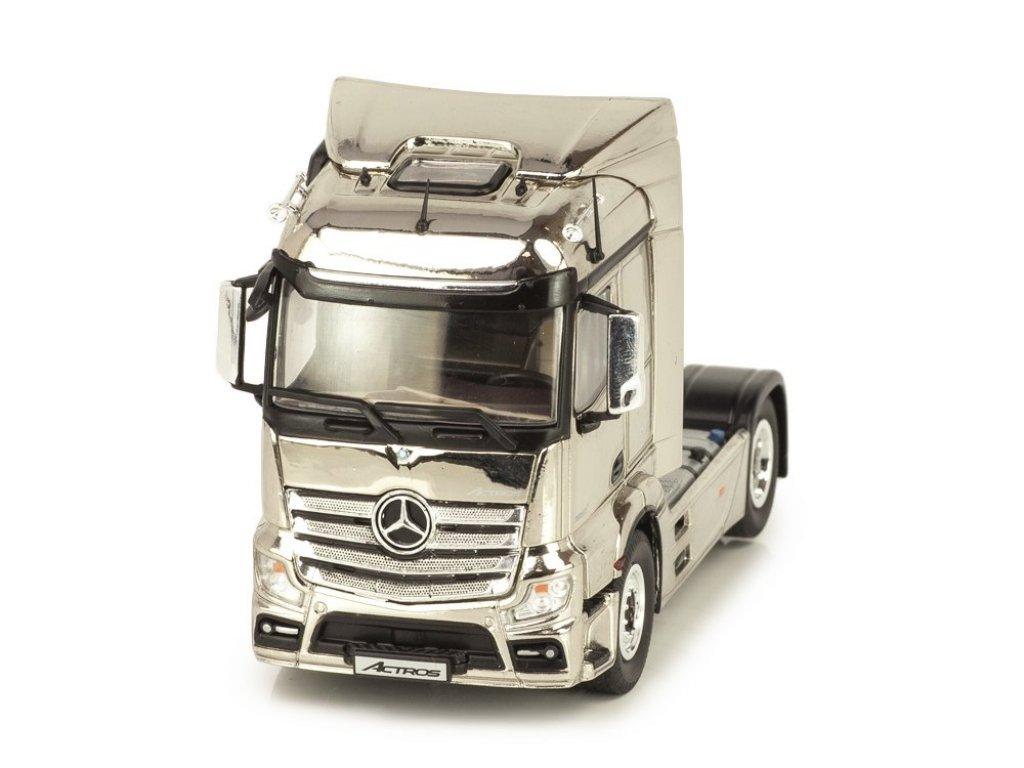 1:50 NZG Mercedes-Benz Actros FH23 StreamSpace 4x2 2015 седельный тягач, хром