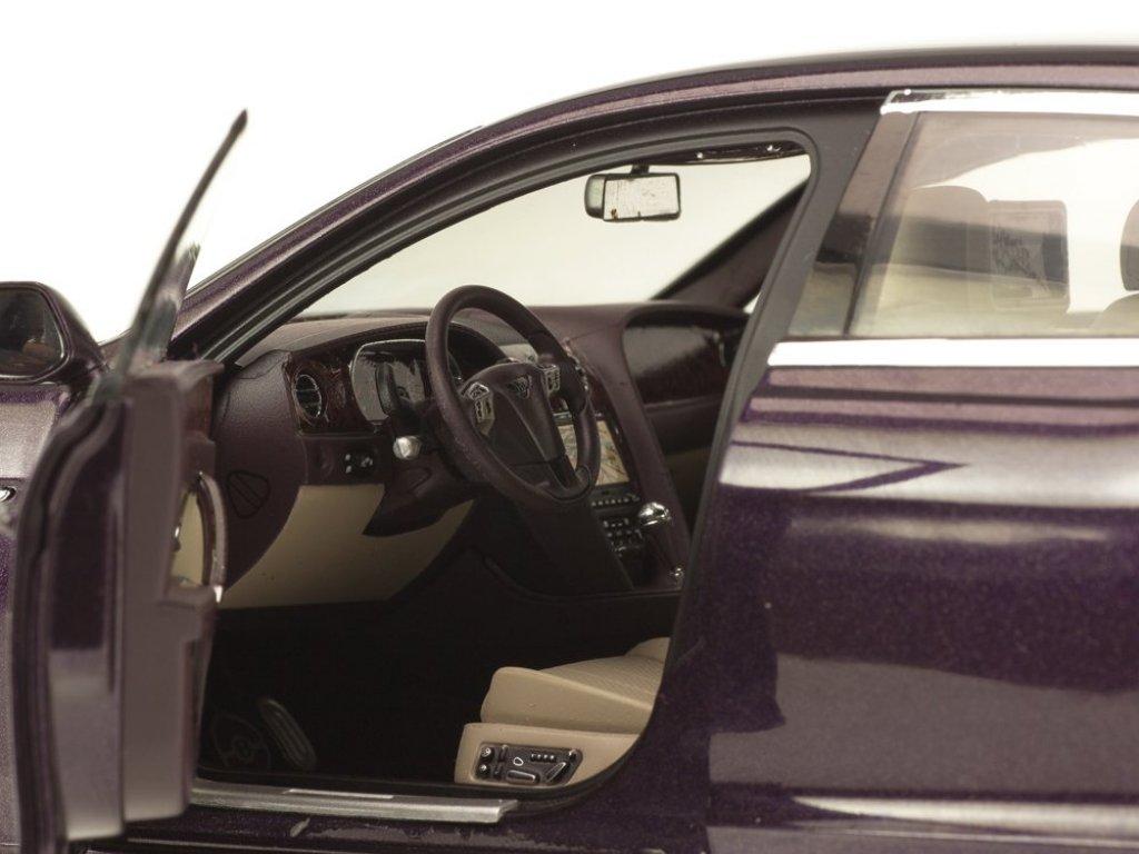 1:18 Kyosho Bentley Flying Spur Damson W12 темно-вишневый металлик