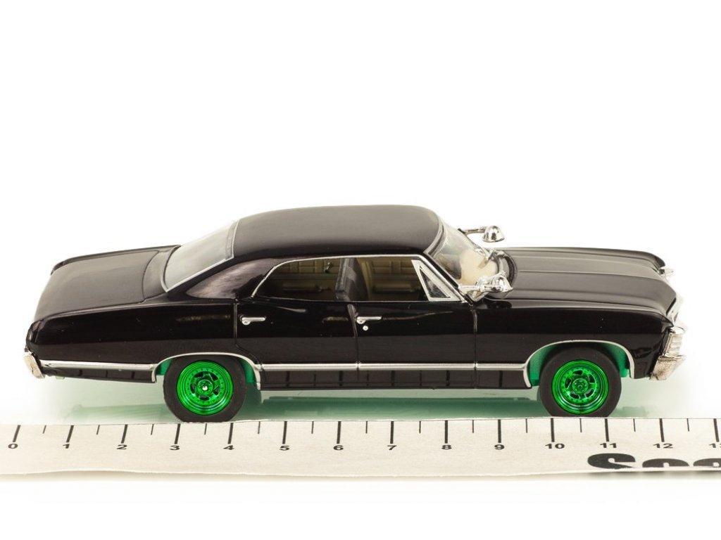 1:43 GreenLight Chevrolet Impala Sports Sedan 1967 из сериала Supernatural (Сверхъестественное) Специальное издание Гринлайт с зелеными колесами и днищем
