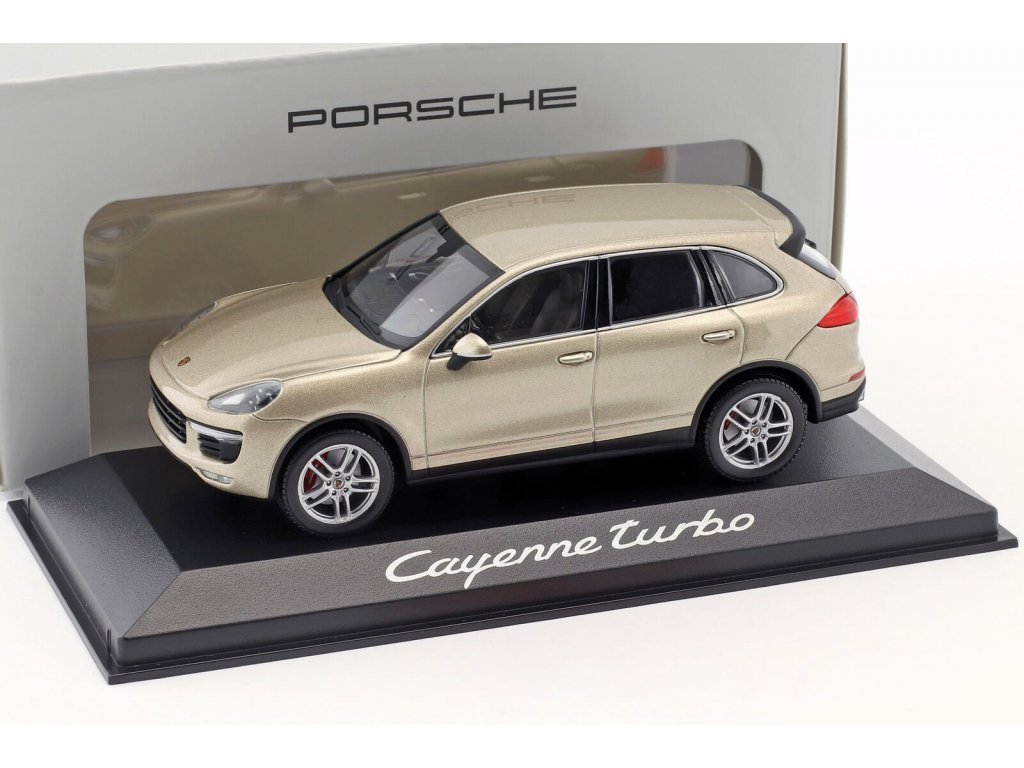 1:43 Minichamps Porsche Cayenne Turbo 2014 бежевый