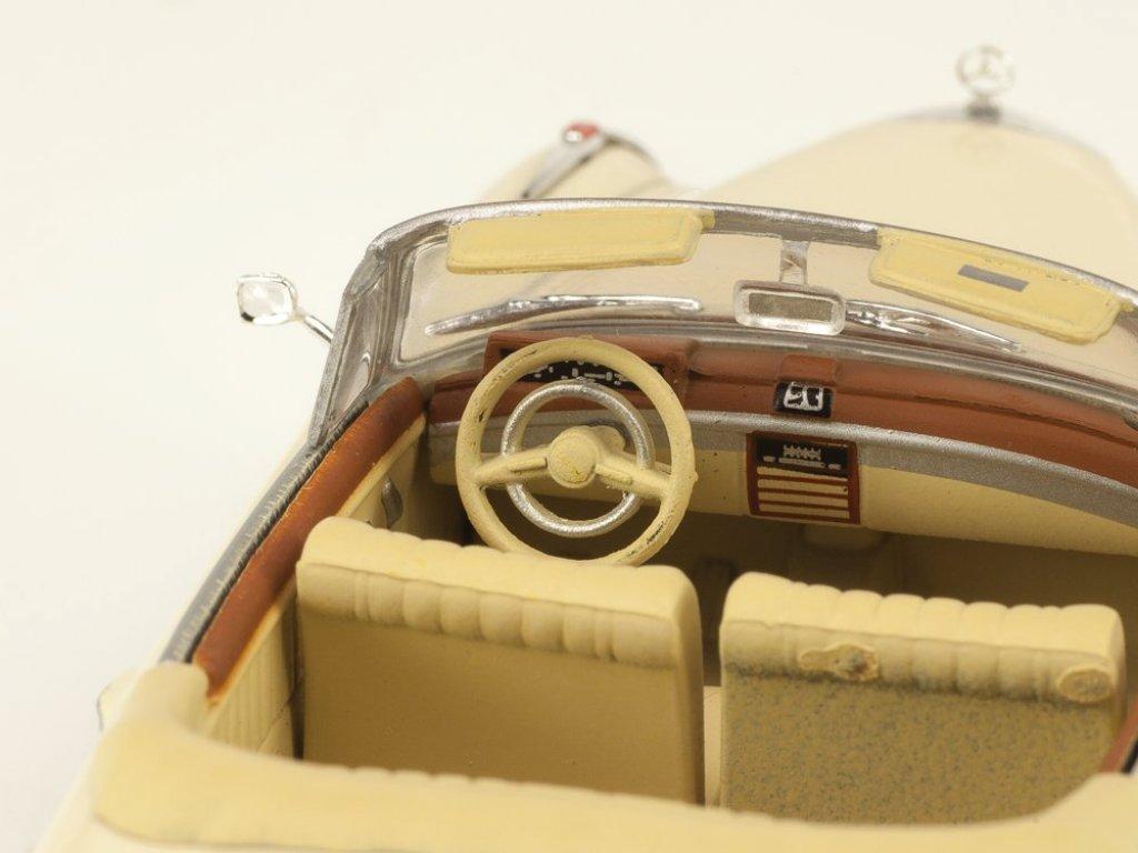 1:43 IXO Mercedes-Benz 220SE Ponton Cabriolet W128 (1958-1960) бежевый с красным