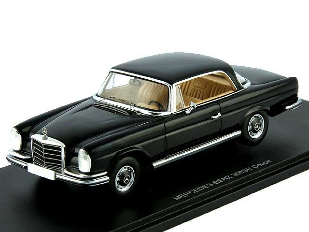 1:43 Spark Mercedes-Benz 300SE Coupe W112/3 черный