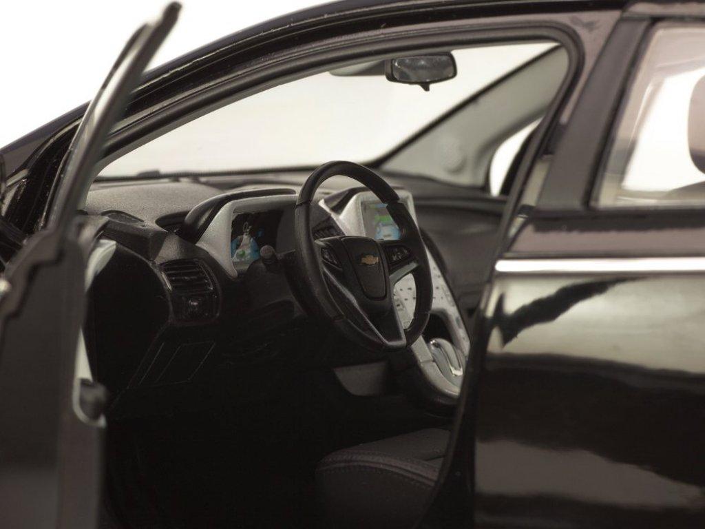 1:18 Kyosho Chevrolet Volt черный
