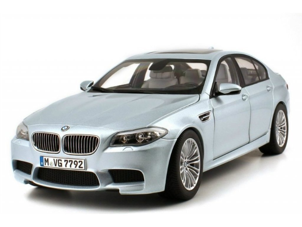 1:18 Paragon BMW M5 F10 2012 silverstone met