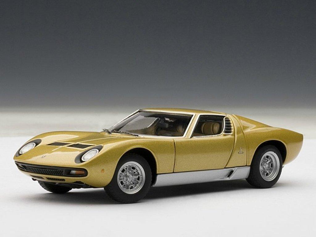 1:43 AUTOart Lamborghini MIURA SV 1971 (GOLD) (все открывается)
