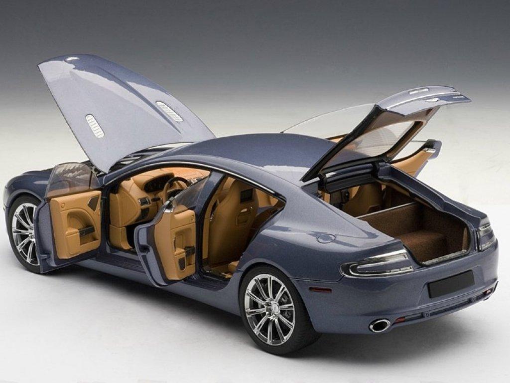 1:18 AUTOart Aston Martin RAPIDE 2010 (CONCOURS BLUE)