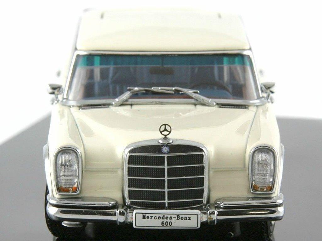 1:43 AUTOart Mercedes-Benz 600 LWB W100 1966 белый