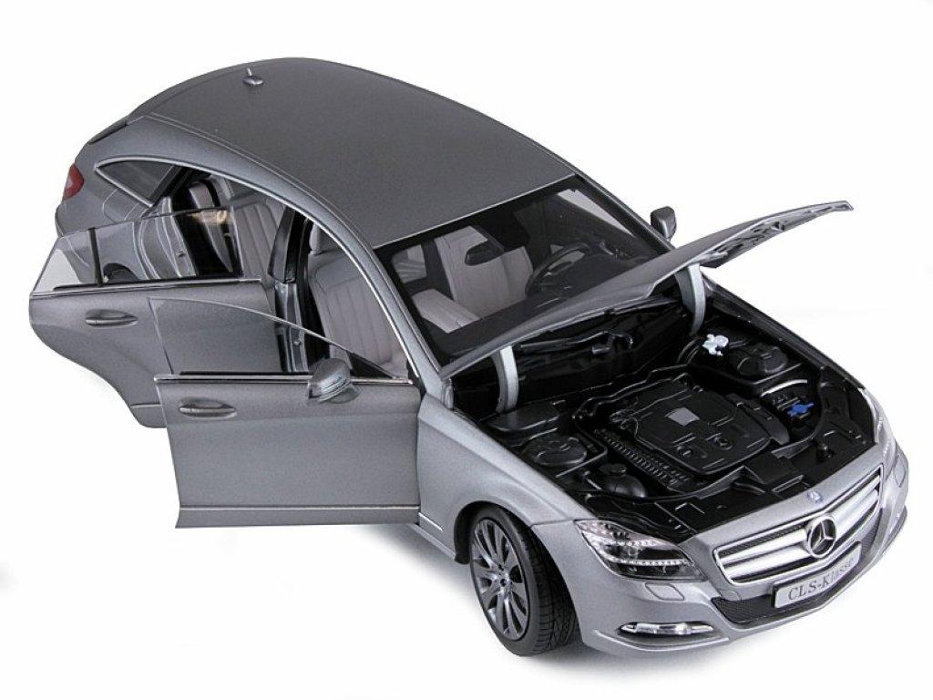 1:18 Norev Mercedes-Benz CLS-Class Shooting Brake (S218) designo alanit grey magno