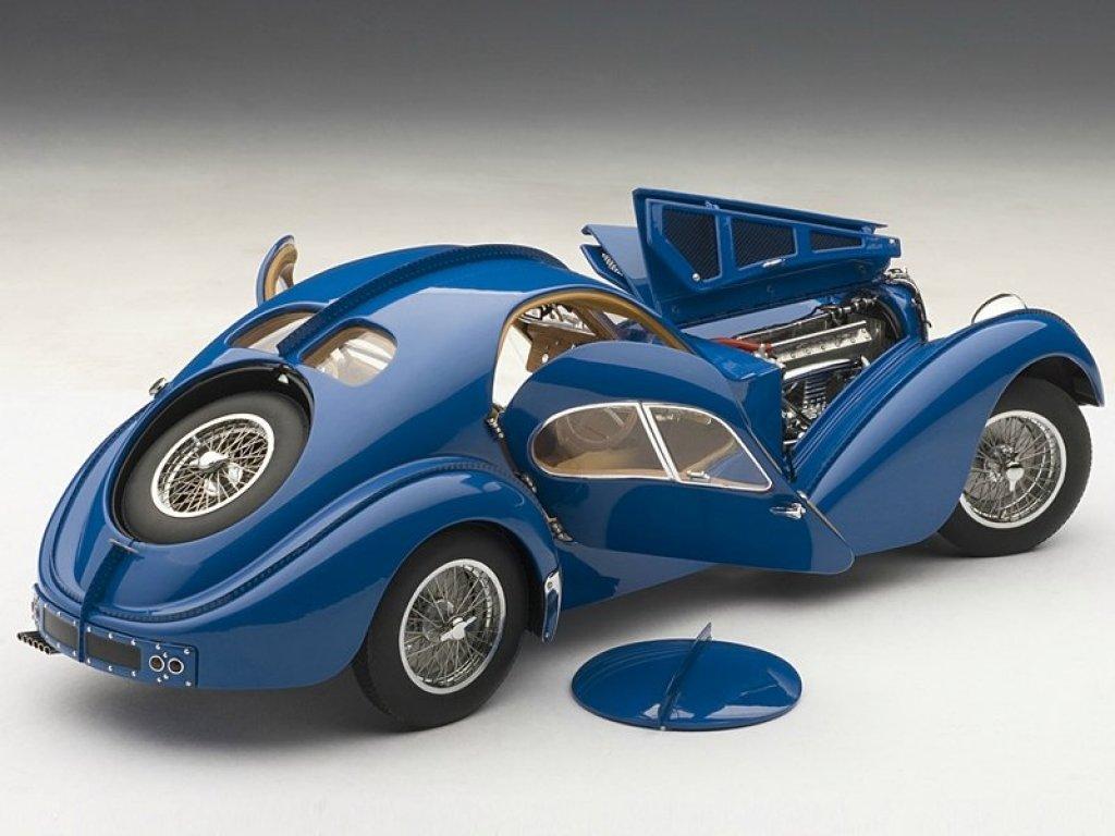 1:18 AUTOart Bugatti Atlantic 57S 1936 синий с хромированными спицованными колесами